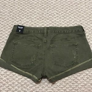 Express women's shorts size 2 color olive